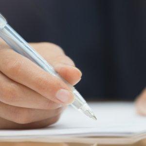 Как стереть ручку с бумаги без следов