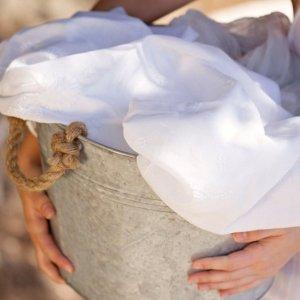 Как отбелить шелковую блузку в домашних условиях