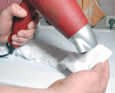 Как убрать клей с одежды в домашних условиях
